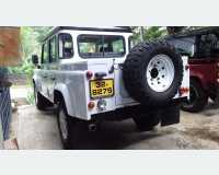 Cars - land rover defender double cab 1979 in Kegalle