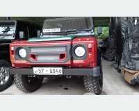 Cars - land rover defender 110 1995 in Kegalle