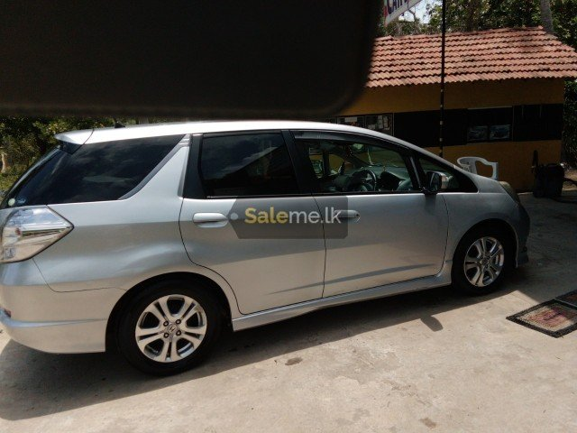 Cars - Honda FIT SHUTTLE 2012 in Chilaw